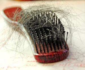 Причины выпадения волос на затылке