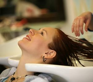 Как восстановить волосы на затылке