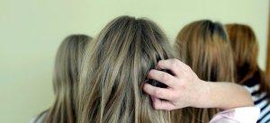 осенью выпадают волосы