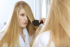 От чего выпадают волосы у женщин