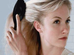 Почему выпадают волосы на голове у женщин