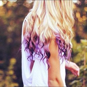 фиолетовые   кончики локонов