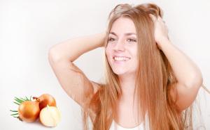 втирать в волосы лук