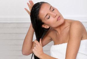 репейное масло наносить на сухие волосы