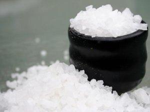 Лечение волос поваренной солью