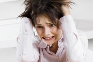 Стресс - одна из причин выпадения волос