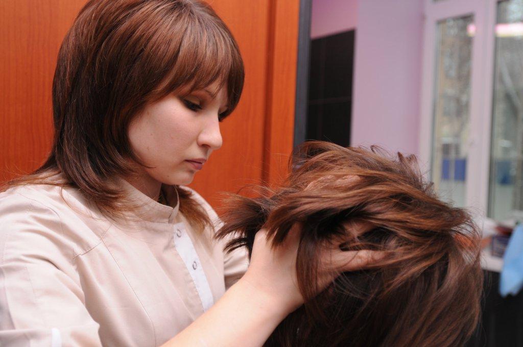 Почему волосы выпадают на висках
