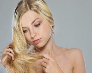 волосы  выпадают  с   луковицей