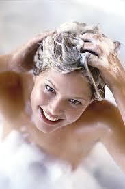при мытье головы выпадение волос