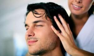 Выпадают волосы у мужчины: что делать?