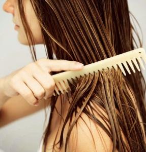 Путаются волосы после мытья: что делать?