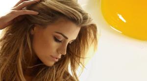 уход за    кончиками  волос  с желтками