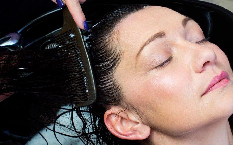 волосы выпадают при расчесывании что делать