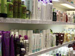 Выбор проффессиональных шампуней для окрашенных волос